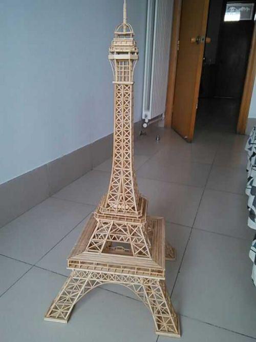 用竹签制作的艾菲尔铁塔