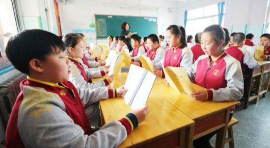 弘扬传统文化 进课堂重传承