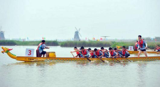 寿光首届龙舟大赛在双王城巨淀湖举行
