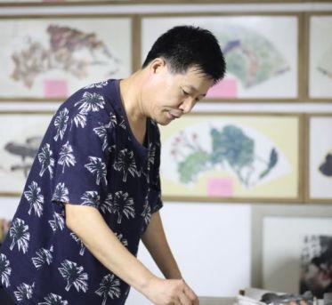 笔墨丹青寄初心 笃学不倦书荷风 ——访市美术家协会理事王平