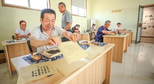 强化乡村文化建设 丰富群众文化生活