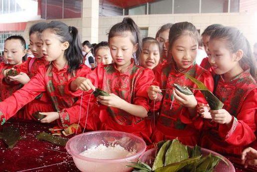 实施文化惠民工程 让文化成果惠及群众